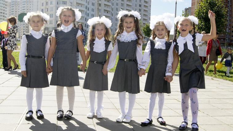 Школьную форму в России приведут к стандарту в этом году