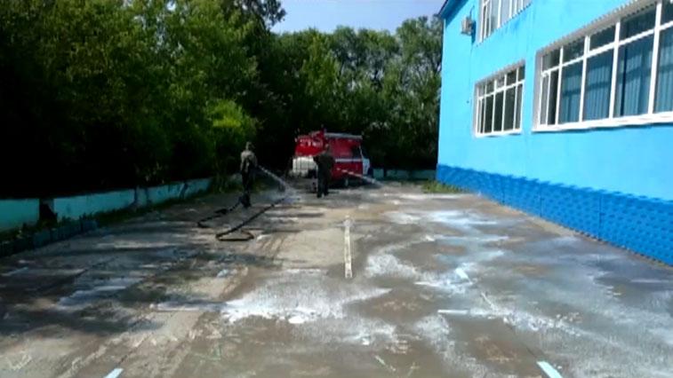 Амурские сотрудники МЧС провели дезинфекцию Чигиринской школы