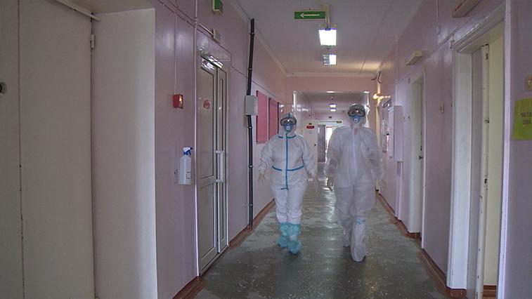 Амурские пенсионеры заражаются коронавирусом в садоводческих автобусах