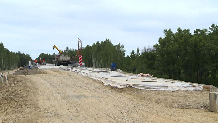 Новый мост на трассе Введеновка-Февральск-Экимчан строят под контролем геодезистов