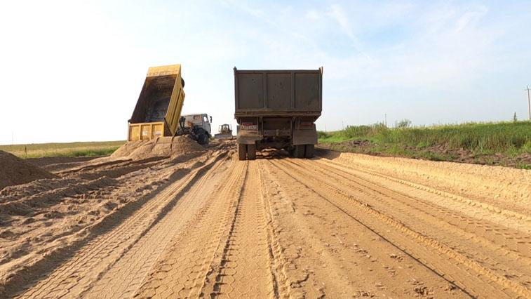 Амурские дорожники реконструируют одну дорогу, и разрушают другую