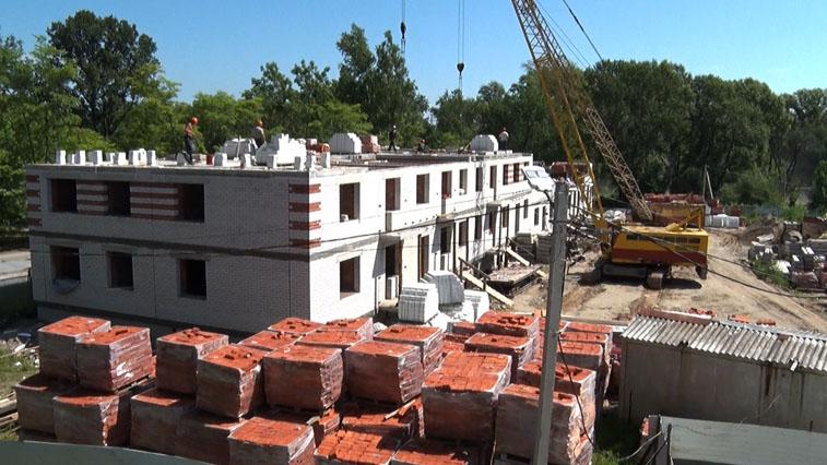 В Прогрессе жители бараков с нетерпением ждут переселения в новый четырехэтажный дом