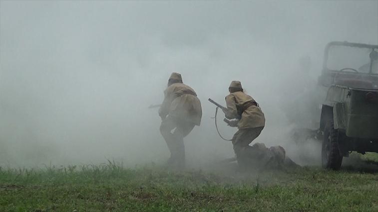 Амурские военные-тыловики реконструировали бой времен Великой Отечественной
