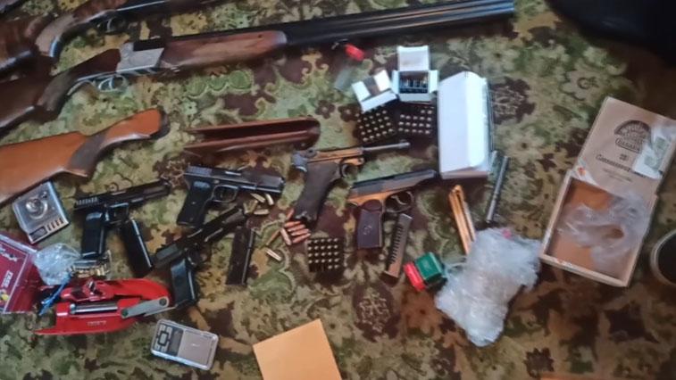 В Амурской области пресекли деятельность подпольных оружейников