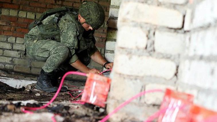 Аварийные здания в бывших военных городках продолжают сносить в Приамурье