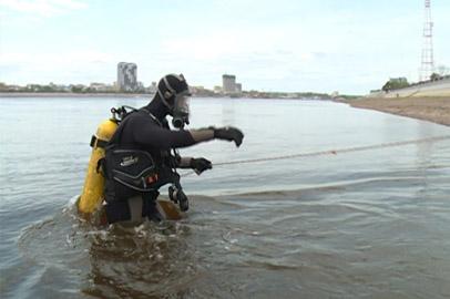 Благовещенские спасатели-водолазы начали очистку водоемов