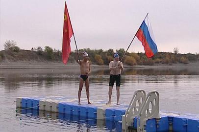 200 километров в холодной воде преодолеют амурские пловцы