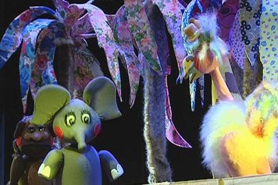 Театр кукол показал «Любознательного слоненка»