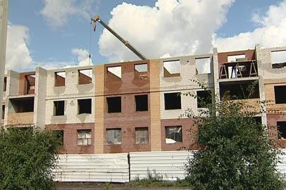 В Белогорске строят малоэтажки для переселенцев из аварийного жилья