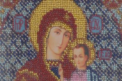 В детской библиотеке им. Чехова открылась выставка бисерных икон
