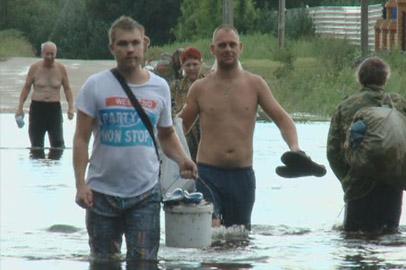 Дамба в Усть-Ивановке не выдержала потока воды