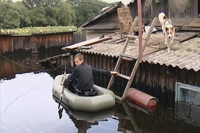 Вода продолжает хозяйничать в селах Архаринского района