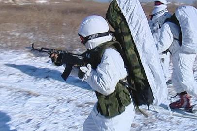 На полигоне ДВВКУ приняли промежуточные зачеты у курсантов-«арктиков»