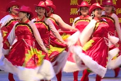 Творческие пенсионеры из Китая станцевали на благовещенской сцене