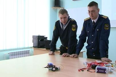 Курсанты Морского университета собрали дальномер и робот-пылесос