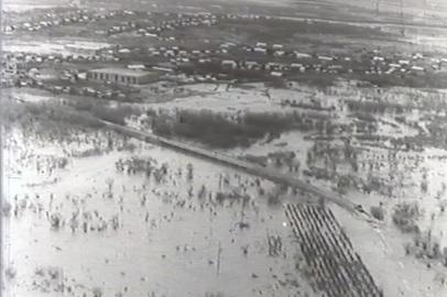 Работа аграриев области в сложных погодных условиях 1983 г.